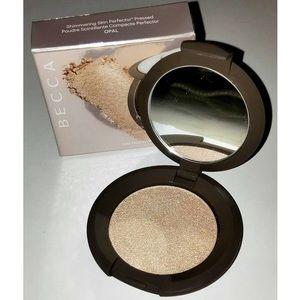 BNIB Becca Shimmering Skin Perfector Opal
